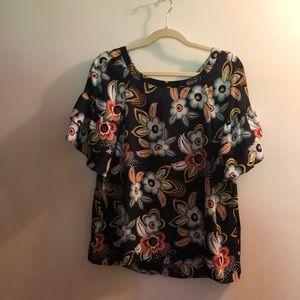 NWT Ann Taylor LOFT Floral Ruffle Blouse Medium